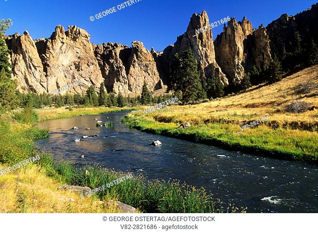 Smith Rocks with Crooked River, Smith Rock State Park, Oregon
