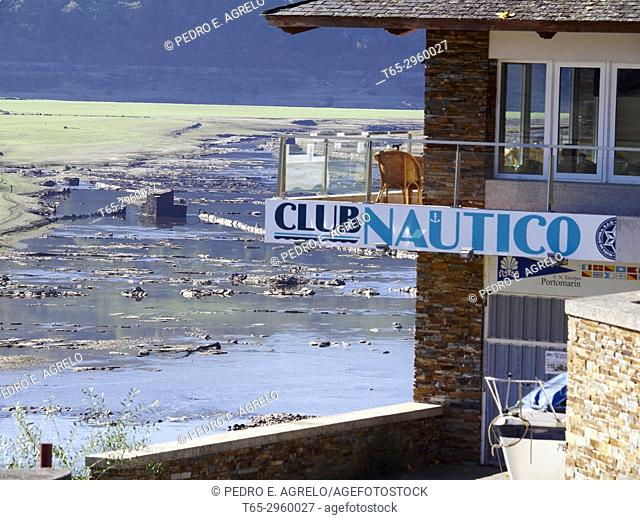 View of the Nautical Club of Portomarin, the drought suffered by the Peninsular Northwest reveals ancient constructions that the Miño River flooded when the dam...