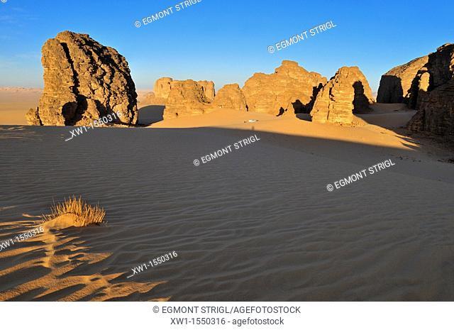 tourist camp in Tassili n' Ajjer National Park, Unesco World Heritage Site, Wilaya Illizi, Algeria, Sahara, North Africa