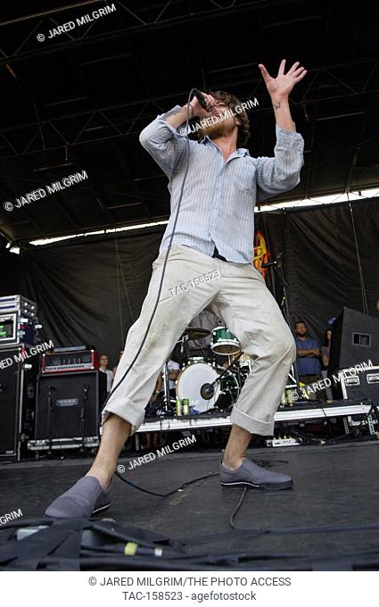 Anthony Green of Circa Survive performs at the 2007 Vans Warped Tour at the Coors ampitheatre in Chula Vista, CA