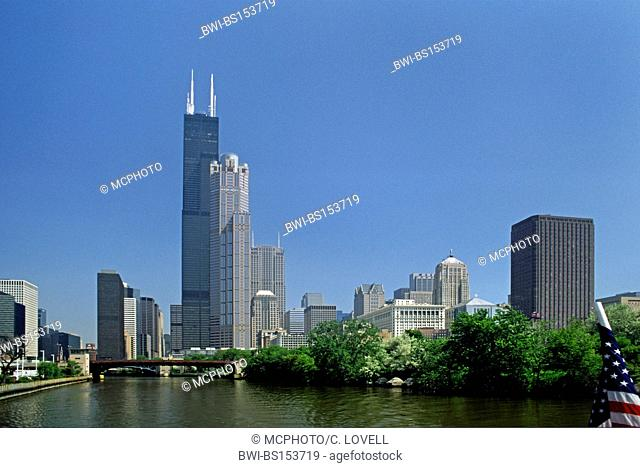 The SEARS TOWER (1454 ft./world's tallest building for 24 years) designed by Skidmore, Owings and Merrill 1974, USA, Illinois, Chicago