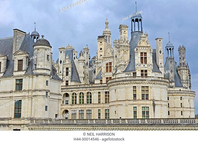 the amazing ornamental roof of the Chateau de Chambord, with its turrets and chimneys, designed to give the impression of the Consntantinople skyline