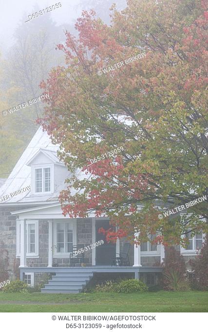 Canada, Quebec, Mauricie Region, Sainte-Anne-de-la-Perade, traditional Quebec house