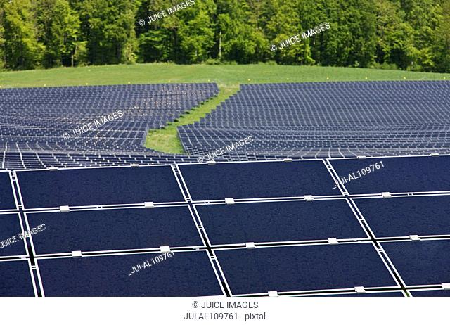 Photovoltaic power plant, near Moorenweis, Bavaria, Germany