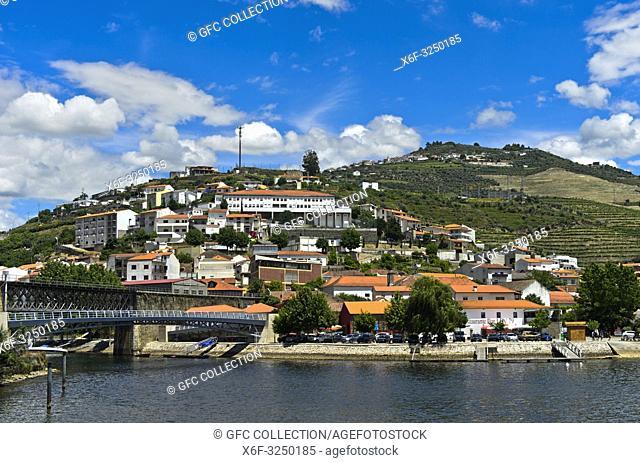 Pinhao am Douro Fluss, Pinhao, Douro Tal, Portugal / Pinhao at the Douro River, Pinhao, Douro Valley, Portugal