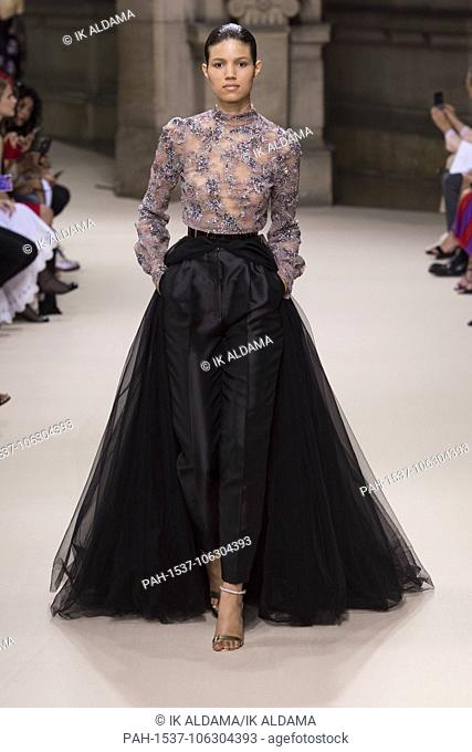 Galia Lahav runway during Haute Couture July 2018. Autumn - Winter 2018-19 Collection. Paris, France. 04/07/2018 | usage worldwide