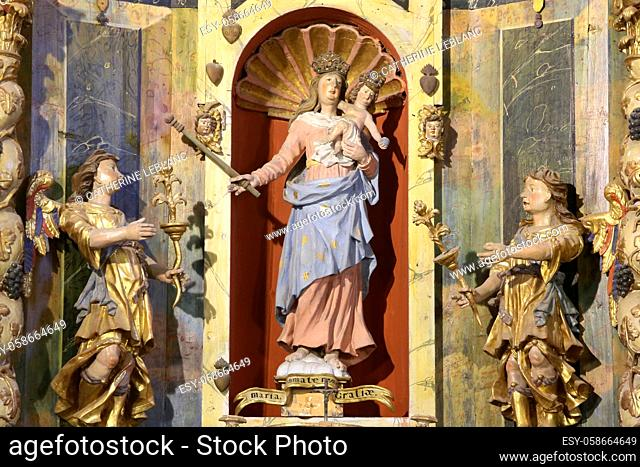 The Virgin of the Assumption, St. Bernard of Clairvaux and St. Antoine. Sculptures. Altarpiece, (work of Jacques Clairant)