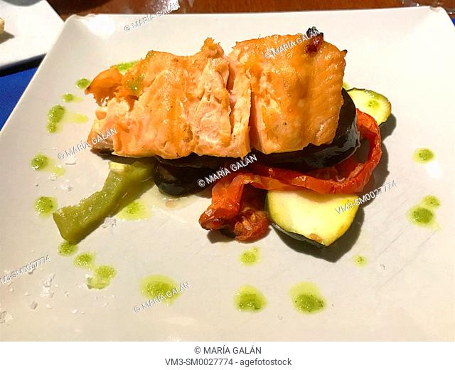 Salmon loin with vegetables