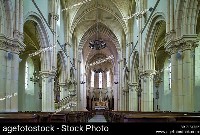 Interior, Église Saint Pierre en Brocéliande de Bédée, Bédée, Ille-et-Vilaine, France, Europe