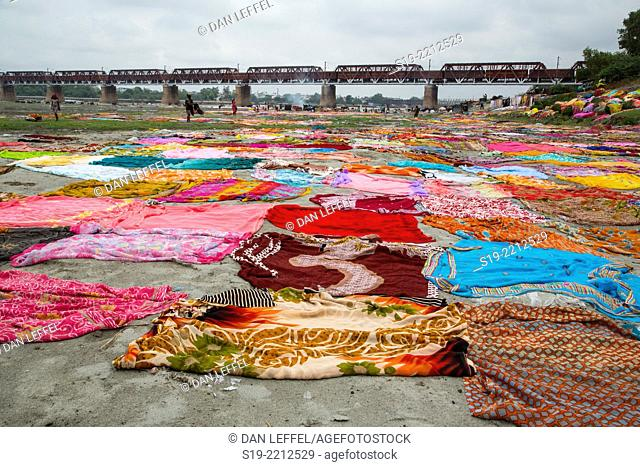 Washing Saris