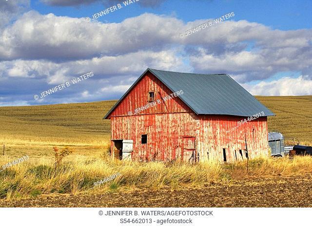 A old barn in the Palouse farming area of eastern Washington State, USA