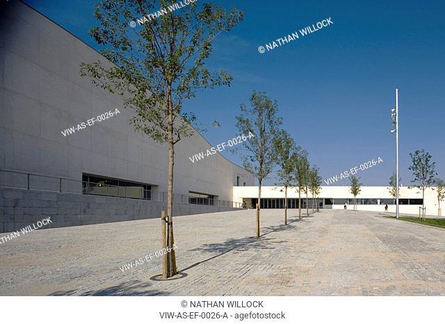 PARC ESPORTIU LLOBREGAT, AV. BAIX LLOBREGAT, S/N, BARCELONA, SPAIN, ALVARO SIZA, EXTERIOR, MAIN ENTRANCE WITH LANDSCAPING
