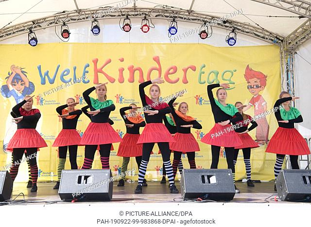 """22 September 2019, Berlin: At the World Children's Day Festival of the German Children's Charity under the motto """"""""We children have rights"""""""" a dance group from..."""