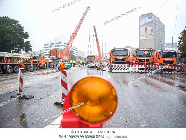 29 September 2019, Hamburg: Panoramic view in the district Hammerbrook onto the Amsinckstraße, which is completely closed for construction works