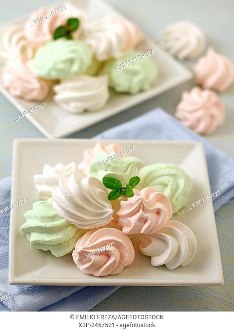 Varied little meringues