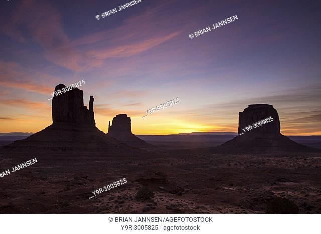 Sunrise over the Mittens rock formations in Monument Valley, Navajo Tribal Park, Arizona, USA