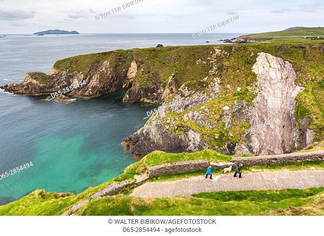 Ireland, County Kerry, Dingle Peninsula, Slea Head Drive, Dunquin, elevated view of the Dunquin Pier