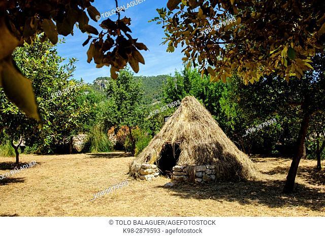 cabaña de carbonero, Parc Etnològic de Caimari, Caimari, municipio de Selva, Mallorca, balearic islands, spain, europe