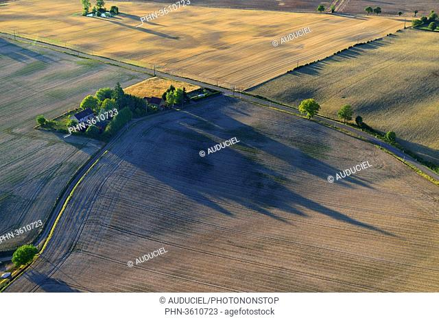 Europe, France, fields of Burgundy near Donzy in the Nievre