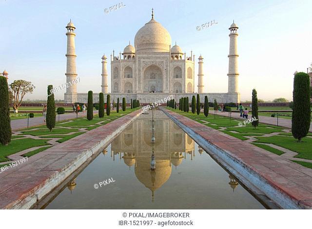 Reflection, pond, Taj Mahal, Agra, Uttar Pradesh, India, Asia