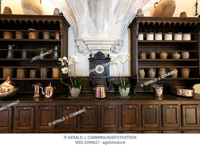 Europe France Chenonceaux : 2019-07 Wooden buffee in the castle of Chenonceauâ. . s kitchen. Complete with shiny brass and copper items