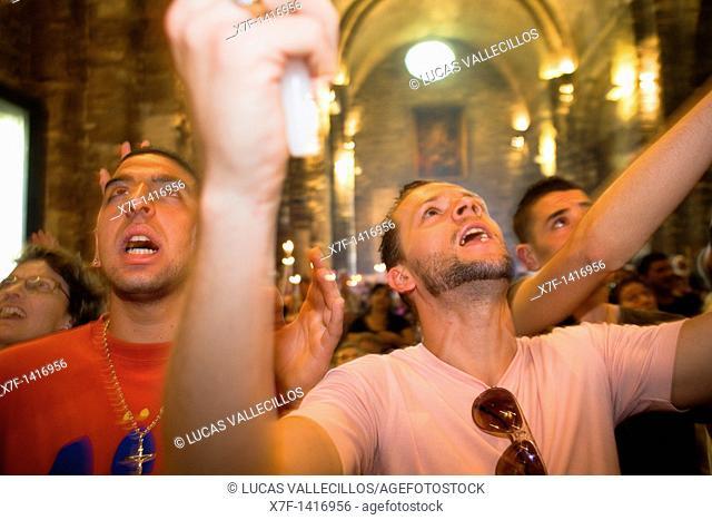 Pilgrims singing during the descent of Mª Jacobé and Mª Salomé relics Church Annual gipsy pilgrimage at Les Saintes Maries de la Mer may,Camargue