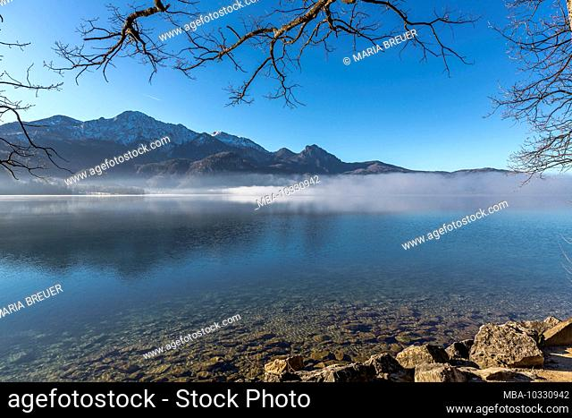 Kochelsee in winter, Heimgarten at the back, 1791 m, and Herzogstand, 1731 m, Bavaria, Germany, Europe