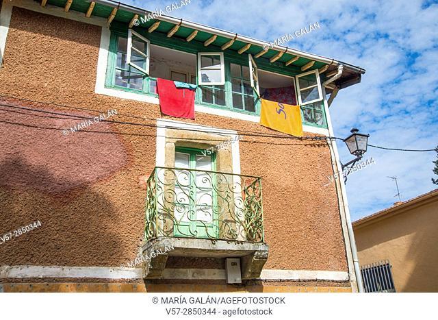 Traditional architecture, facade of house. Sequeros, Sierra de Francia Nature Reserve, Salamanca province, Castilla Leon, Spain
