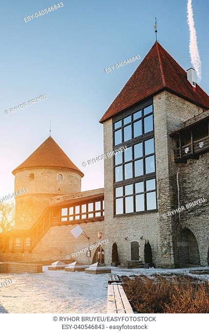 Tallinn, Estonia. The Former Prison Tower Neitsitorn In Old Tallinn. Medieval Maiden Tower At Winter Sunrise In Sunny Morning. Sun Shining