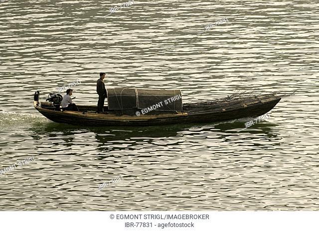 Traditional sampan on the Jangtze river, china