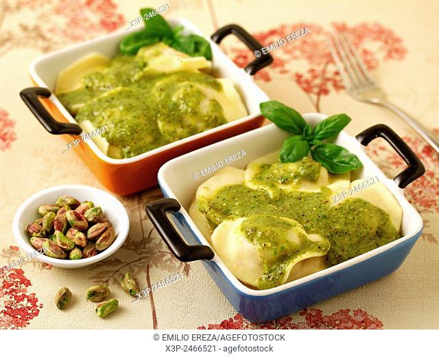 Aubergines ravioli with pistachio pesto