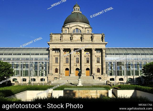 Europe, Germany, Bavaria, Munich, View of Bayerische Staatskanzlei at Hofgarten