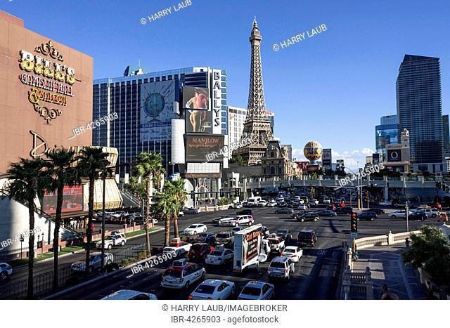 Las Vegas Boulevard South, The Strip, Las Vegas Strip, Paris Las Vegas Hotel behind, Eiffel Tower replica, Las Vegas, Nevada, USA