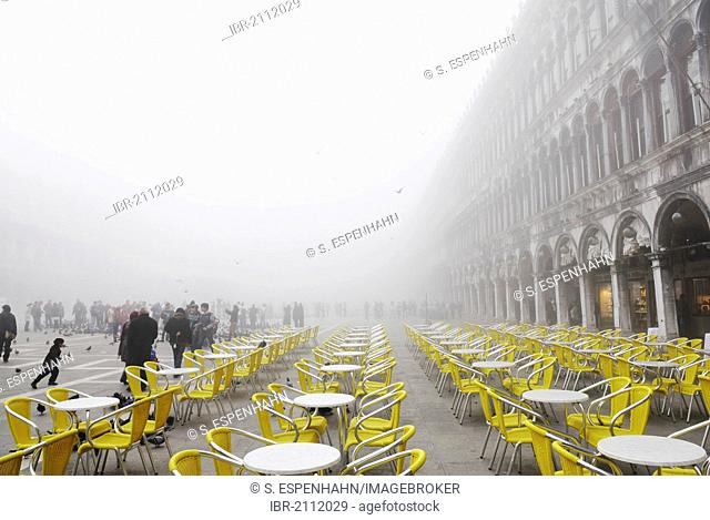 Procuratie buildings in fog, St. Mark's Square, Venice, Venezia, Veneto, Italy, Europe