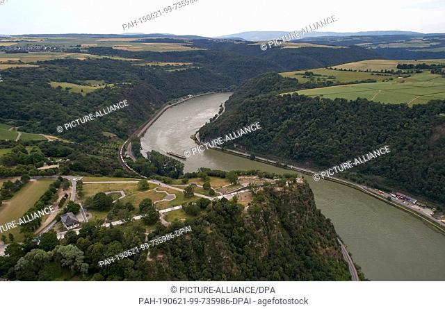 19 June 2019, Rhineland-Palatinate, St. Goar: The aerial view with a drone shows the Rhine in the area of the Loreley rock