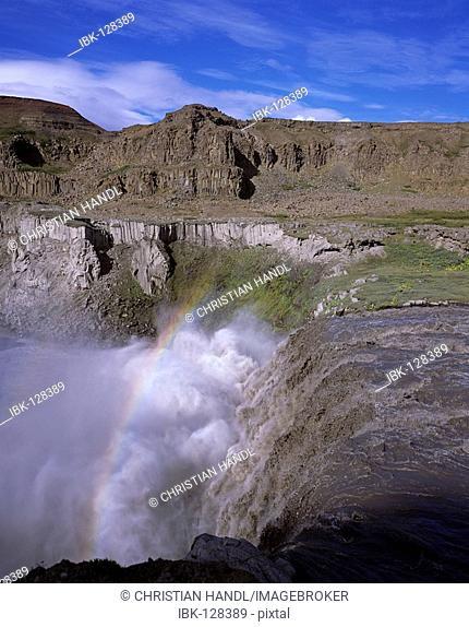 Waterfall Dettifoss, Joekulsarglufur National Park, Iceland
