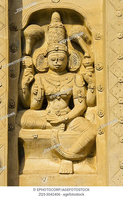 Carved idol on the outer wall of the kanchi Kailasanathar temple, Kanchipuram, Tamil Nadu, India. Oldest Hindu Shiva temple in the Dravidian architectural style