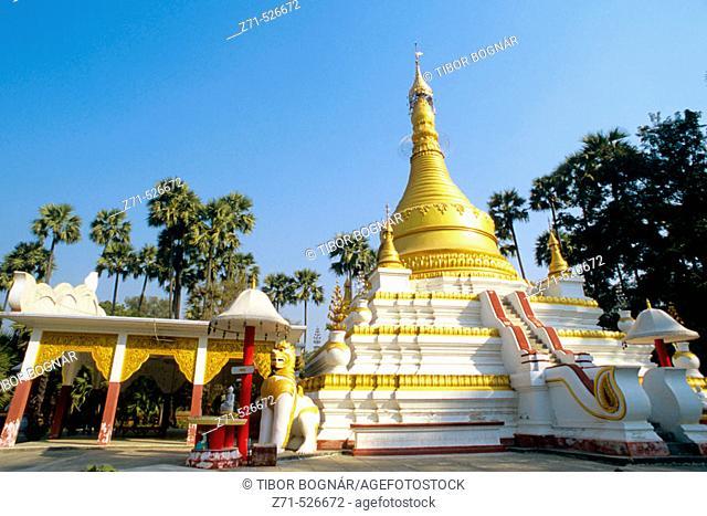 Myanmar, Amarapura, small buddhist pagoda