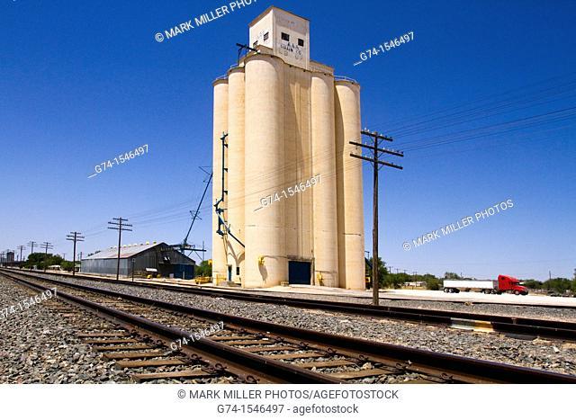 Grain Silo, railroad tracks,Muleshoe, Texas, USA in Texas Panhandle, west Texas