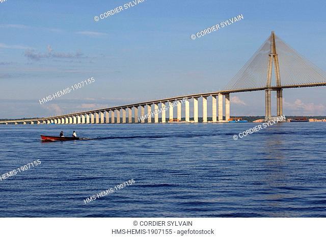 Brazil, Amazonas state, Amazon river basin, Manaus, Ponte Rio Negro (Manaus Iranduba Bridge) crossing the Rio Negro