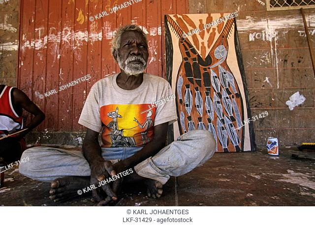 Aboriginal artist Oenpelli, Old Man Thompson, Oenpelli, Arnhemland, Aboriginal land, Northern Territory, Australia