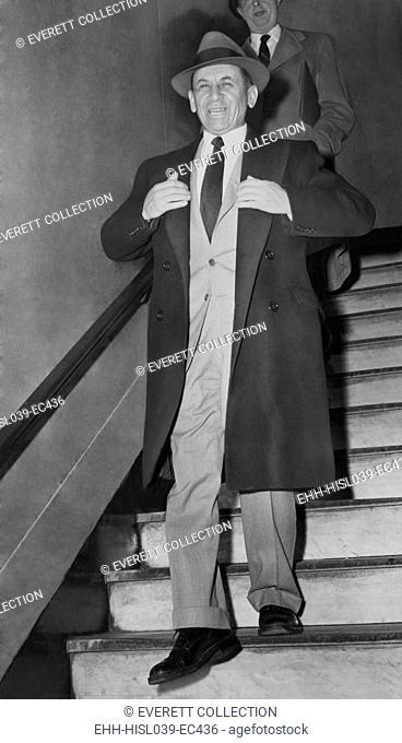 Gangster Meyer Lansky leaving Manhattan Arrest Court on Feb. 21, 1958. He was arrested for 'vagrancy' by NYC police on Feb