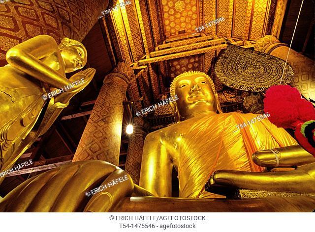 Ayutthaya, giant bronze Buddha at Wat Choeng Phanan