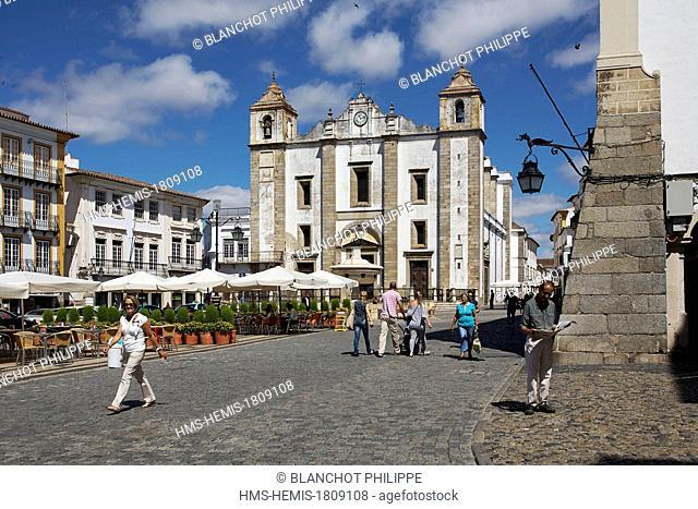 Portugal, Alentejo, Evora, listed as World Heritage by UNESCO, Praca do Giraldo, Santo Antao church