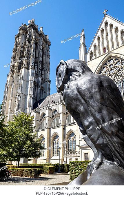 De Grote Vivisector, bronze owl sculpture in front of the St. Rumbold's Cathedral in the city Mechelen / Malines, Antwerp, Flanders, Belgium