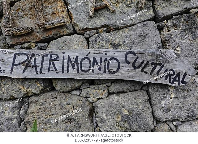 Santana, Madeira, Portugal A sign that says patrimonio cultural or cultural heritage