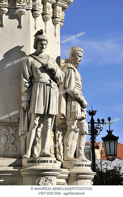 The portuguese poets Gomes Eanes de Azurara and Vasco Mouzinho de Quebedo. Camões square. Lisbon, Portugal