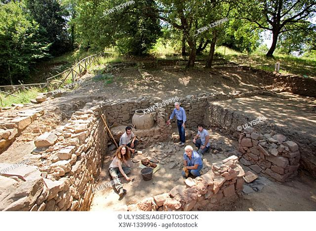 europe, italy, tuscany, vetulonia, etruscan ruins, location poggiarello renzetti, archaeological excavations, find domus hellenistic period, III century BC