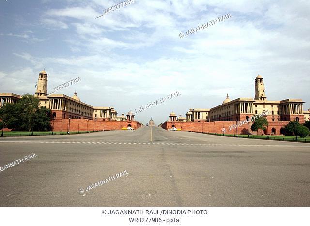 Vijay Chowk and South North Blocks of Rashtrapati Bhavan , New Delhi , India