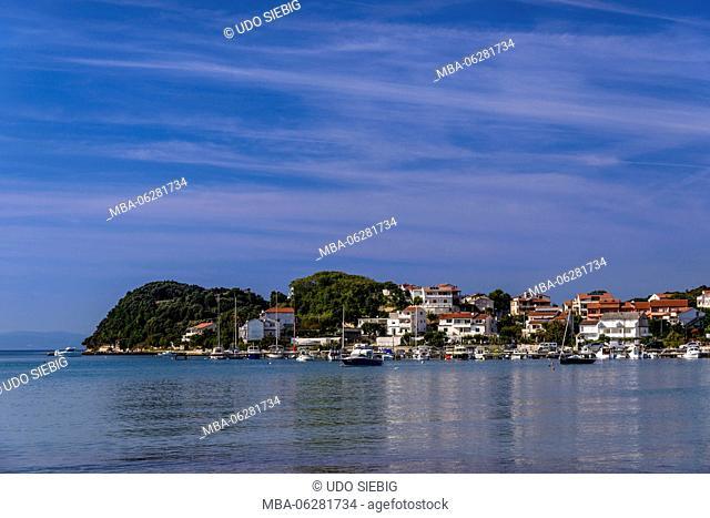 Croatia, Kvarner Gulf, Rab Island, Kampor, town view with Kampor bay